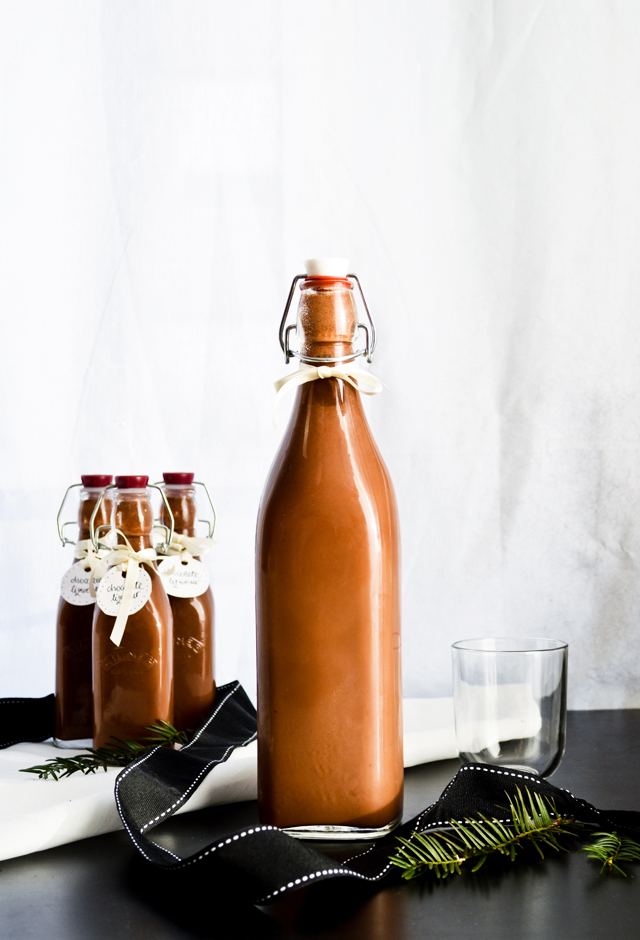 Make homemade chocolate liqueur for the holidays and give as Christmas gifts! A sweet, decadent drink.