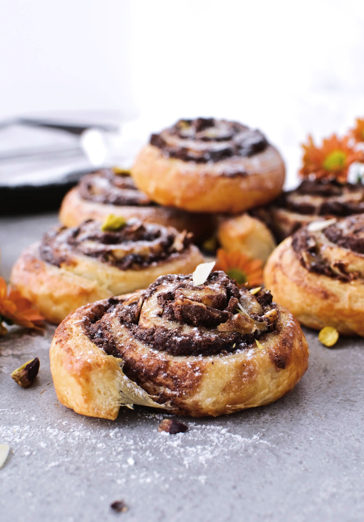5 ingredients, made under 30 minutes, major flavor all in one recipe for these Pistachio Nutella cinnamon pinwheels.