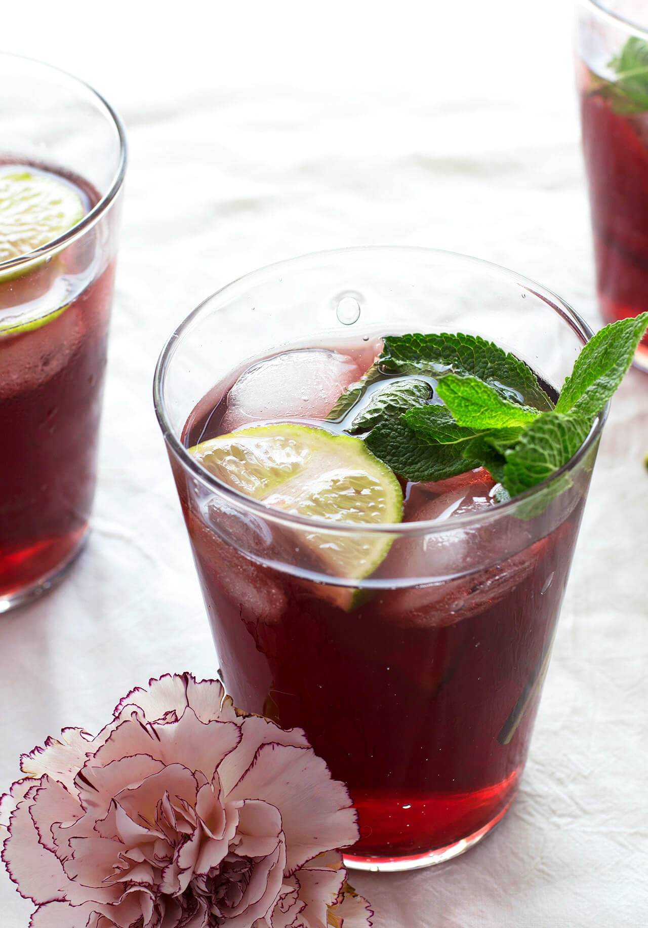 Refreshing and easy to make Cold brew mint blueberry iced tea, a recipe perfect for any occasion.