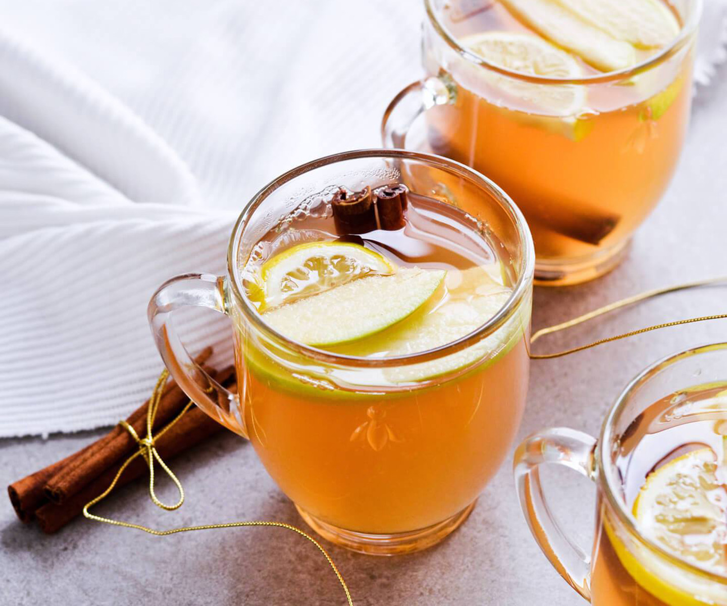 apple mulled white wine