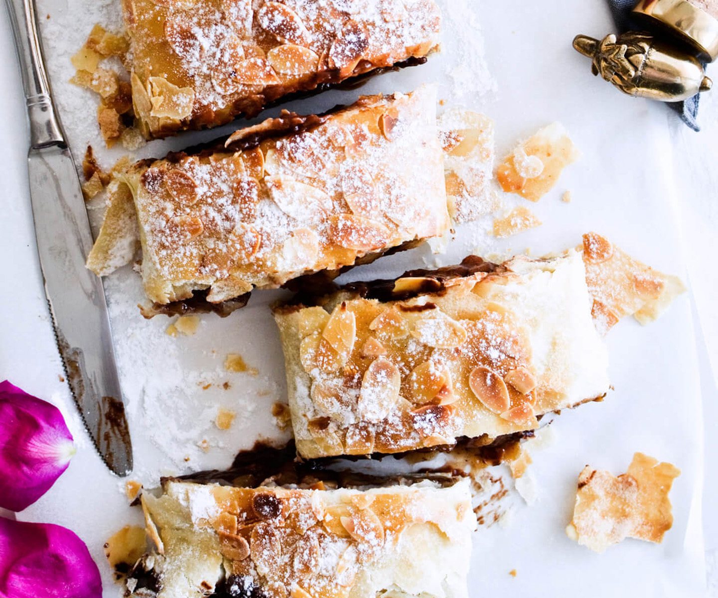 easy chocolate pear strudel
