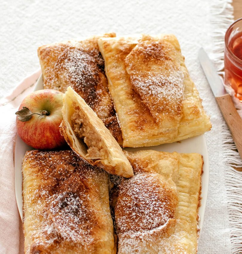 Recipe for puff pastry apple hand pies
